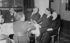 Klassenfest der Domschule mit Eltern und Lehrern in der Stampfmühle. Von links: STR Elsholz, Spk.Dir. Miethke, STR Paysen-Petersen, STR Diesner