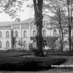 Frauennebenhaus